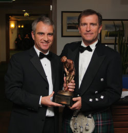 Duncan Weir (left) accepting the Harry S Colt Award from David Krausemod