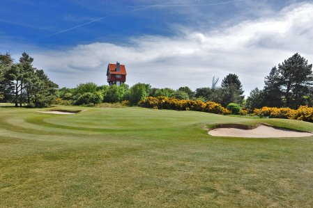 18th green at Thorpeness Golf Club