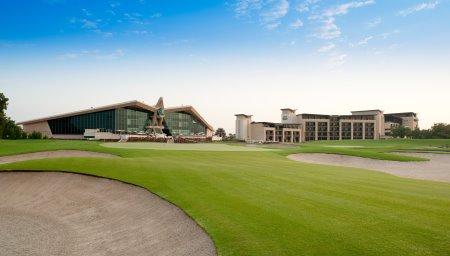 Westin Abu Dhabi Golf Resort  Spa and 18th Green at Abu Dhabi Golf Club