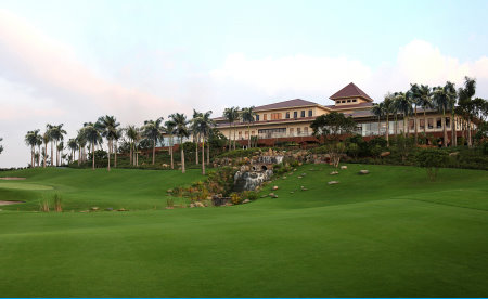 Sky Lake clubhouse