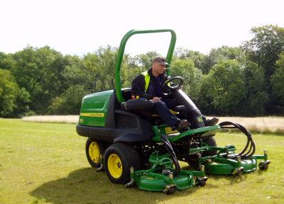 Golf Business News - John Deere Golf Mowers Shape Up