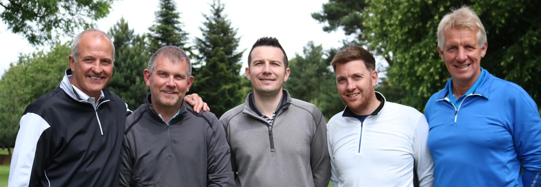 3 hammmerscropSteve Bull ian Bonser with Team LLOYDS BANK