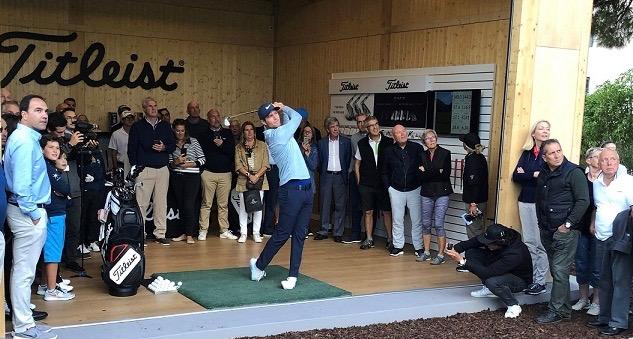 Lucas Bjerregaard hitting shots during his exclusive golf clininc (1)
