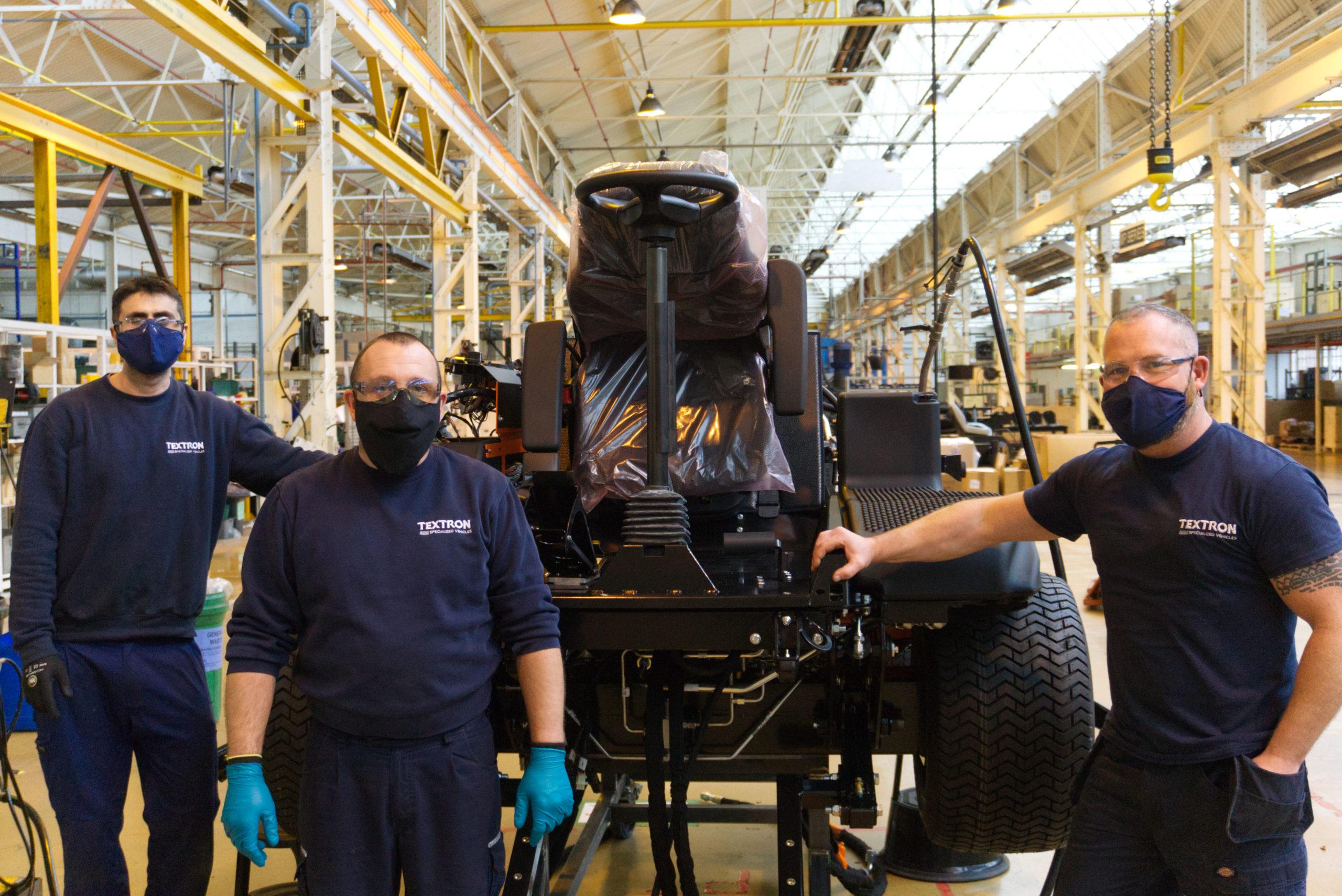 Jacobsen-factory-team-with-Matt-Pipe
